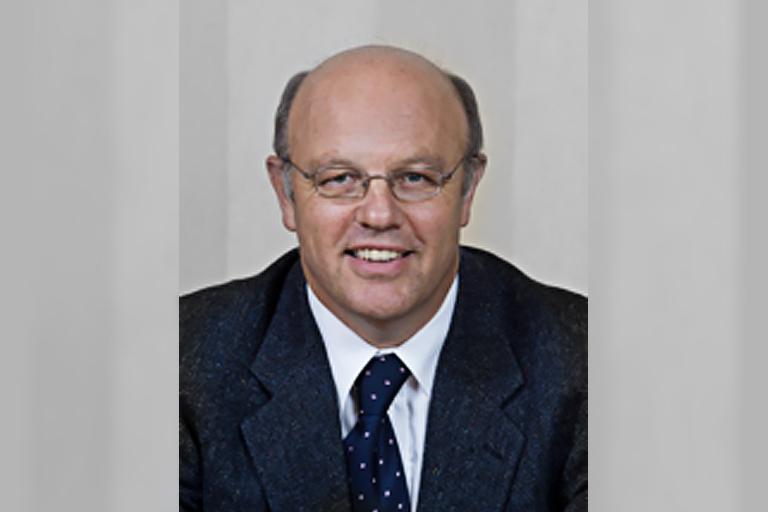 Dr Graeme Dear